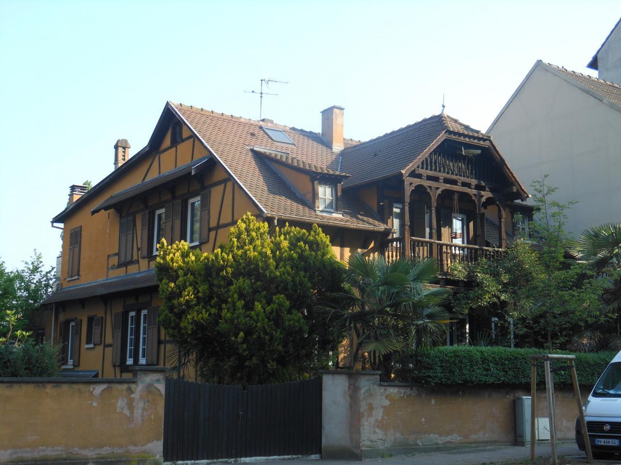 Maison de glacis